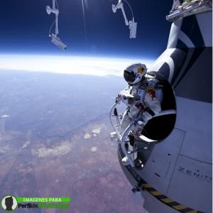 Astronauta en orbita